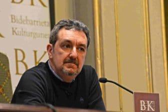 Álex Oviedo escritor