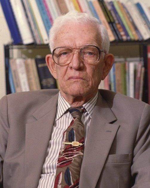 Escritor y político dominicano Juan Bosch