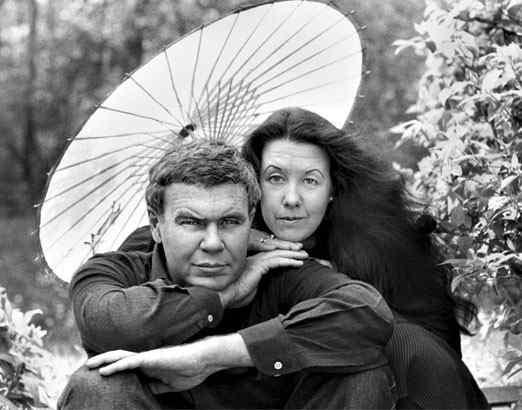 Raymond Carver y su esposa la poeta Tess Gallagher