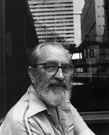Poeta Ángel González