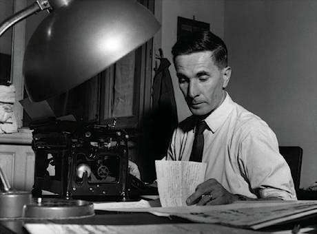 Escritor Dino Buzatti, cuento