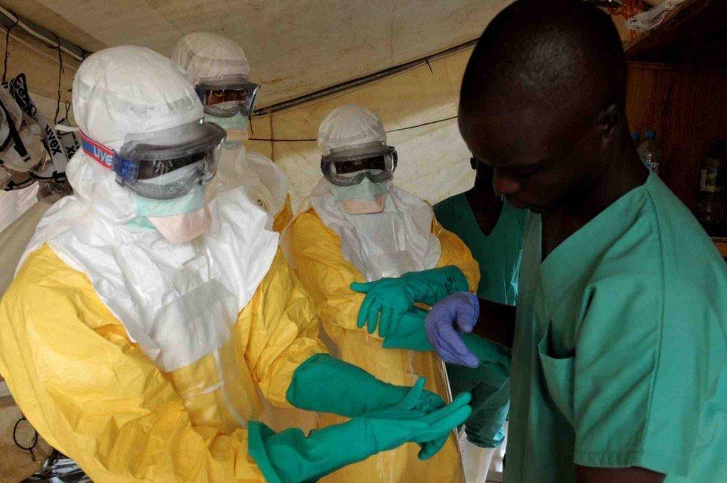 ébola, el placer del miedo, francisco rodríguez criado