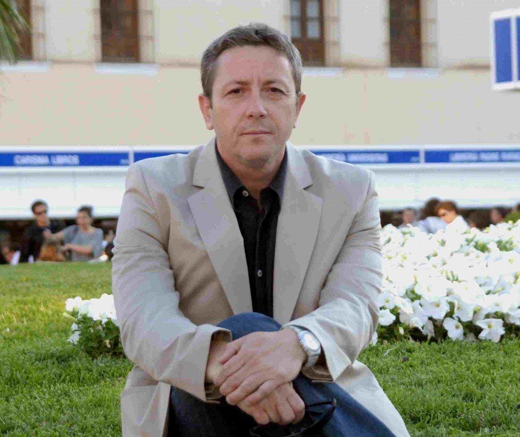 Alonso Guerrero, novela, un día sin comienzo