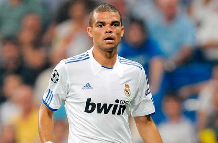futbolista, pepe, real madrid, corrector de estilo