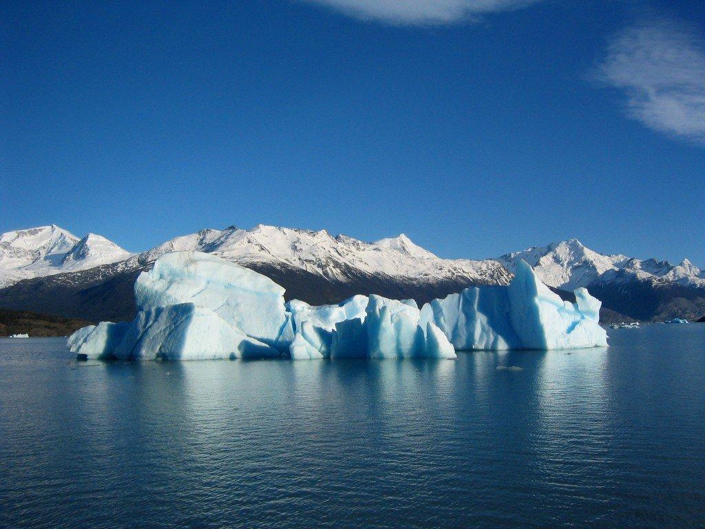Poema, Margarita Schultz, Los crujidos del glaciar