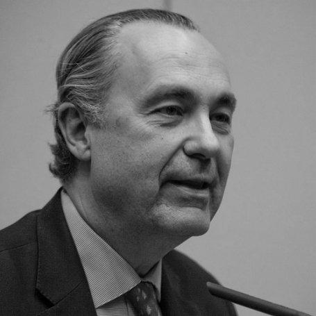 Luis Alberto de Cuenca, poema, casada