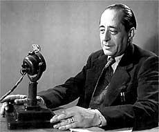 escritor Arturo Barea, Plaza de España