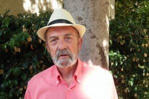 Entrevistamos al profesor y ensayista Miguel Dïez R.