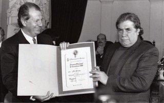 El presidente Ricardo Lagos homenajea a Poli Dëlano